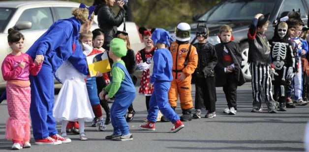 Glencliff Elementary School annual Halloween Parade in Rexford, N.Y. October 31, 2011. (Skip Dickstein/Times Union)